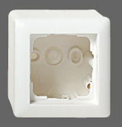 GIRA   006301 Корпус 3-мест для накладного монтажа с рамкой ЭБ Gira